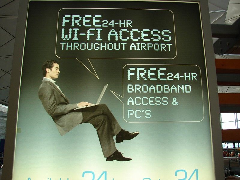 http://images42.fotki.com/v1365/photos/4/42209/6945198/AdvertisementForFreeWiFi-vi.jpg?