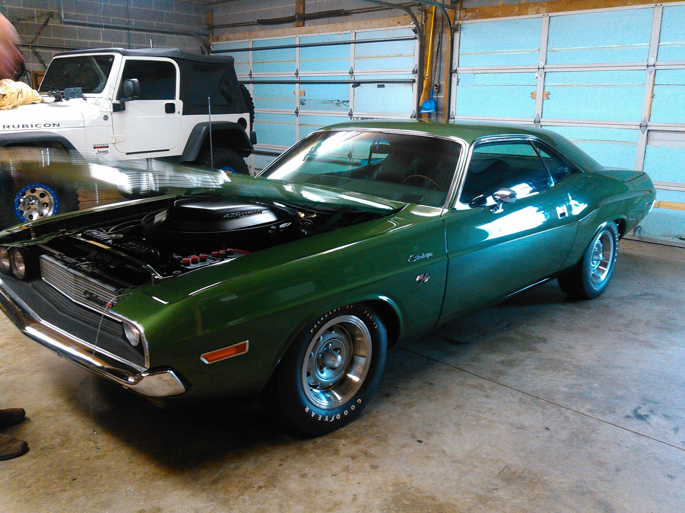 What I got to drool over yesterday at work.... 1971ChallengerRTHEMI003-vi