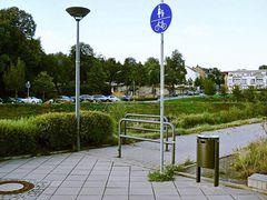 Benutzungspflichtiger Fuß-/Radweg für Radfahrende gesperrt