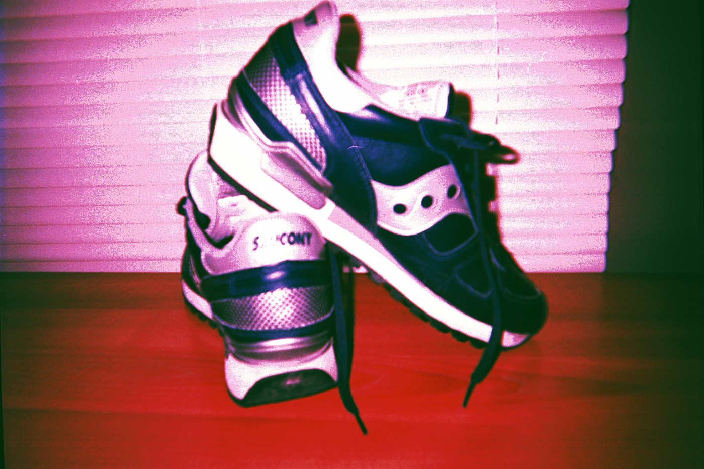 Sawcony Shadow - 1998 re-issue.