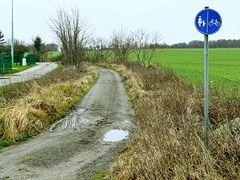 Getrennter Fuß-/Radweg