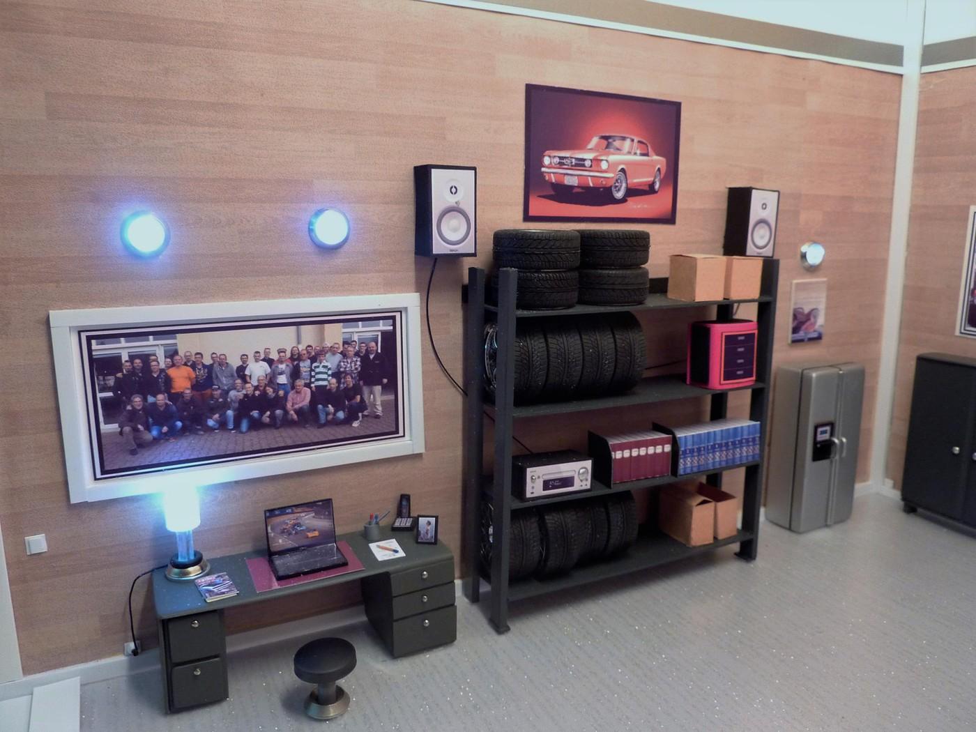 Dick's classic garage car  museum  Photo9-vi