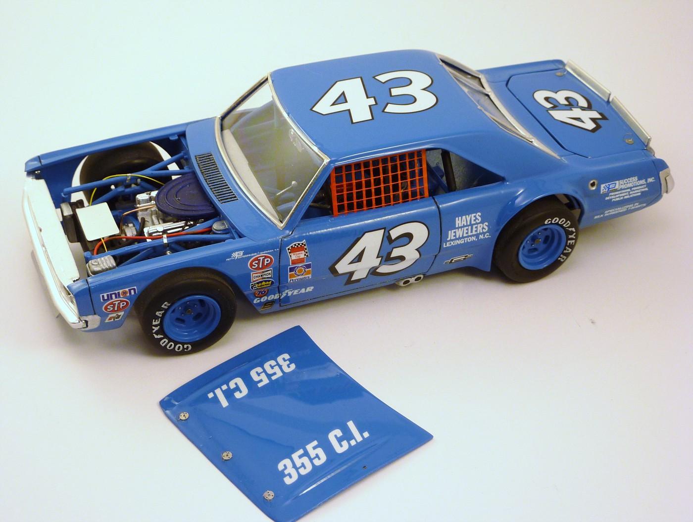 Dodge Dart Richard Petty terminée - Page 2 SfinalesDodgePettyshorttrack12-vi