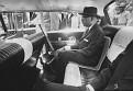Mai 1963 - Papa Doc dans sa limousine paradant les rues de Port-au-Prince.