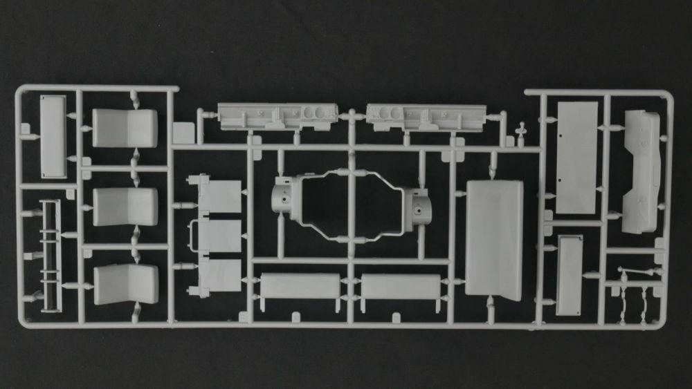 LR7-vi.jpg