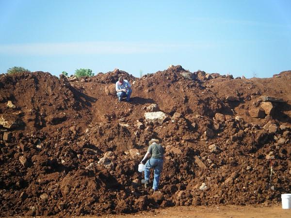 Digging Arkansas Quartz | Rock Tumbling Hobby