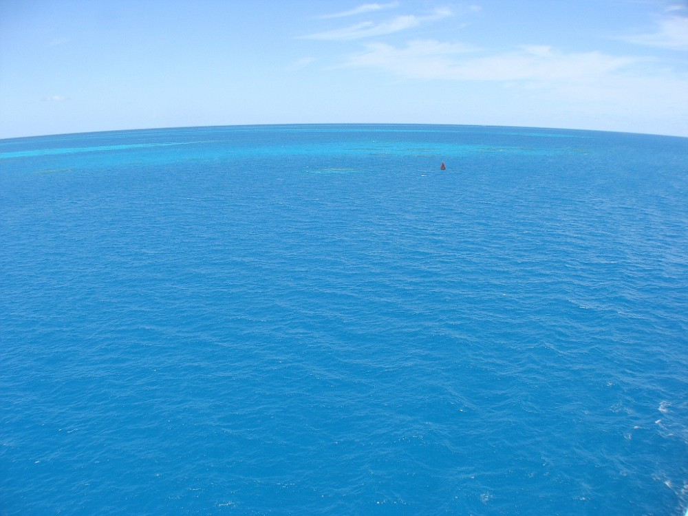 Approach views of Bermuda blue water