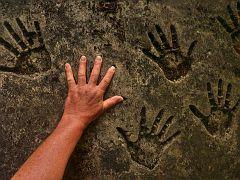 Steinzeichen Geisterhand?