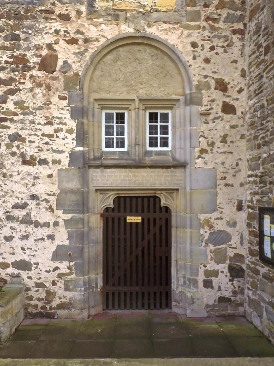 Eingang Winterkirche, Westseite