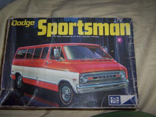 1971DodgeSportsmanVan-vi.jpg