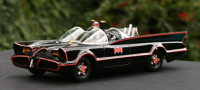 BatmobileLF4-vi.jpg
