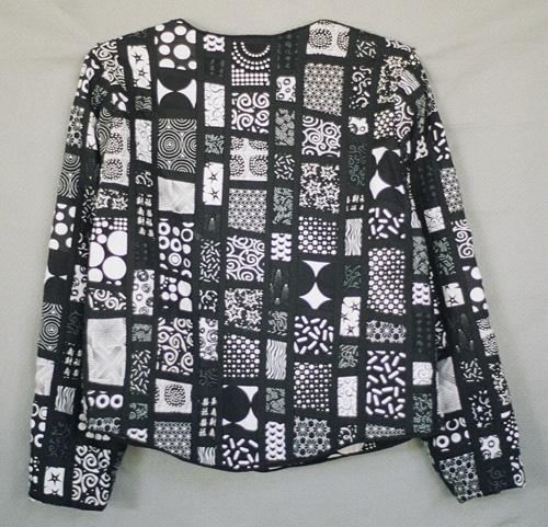 Black & White & Dots 500